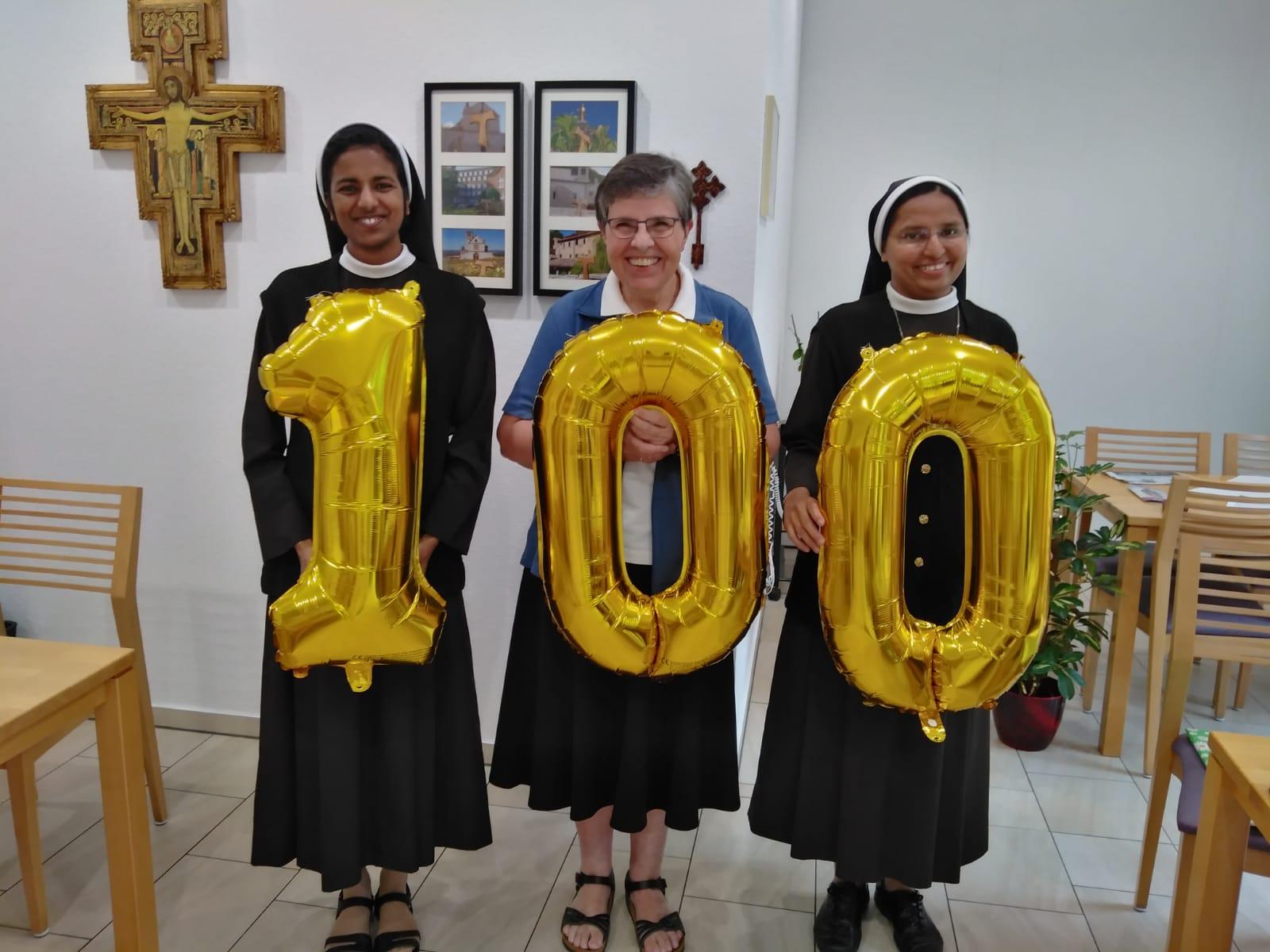 100 Jahre  Franziskusschwestern auf dem Weg